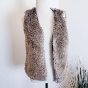 Talula Women's Aritzia Park Slope Vest